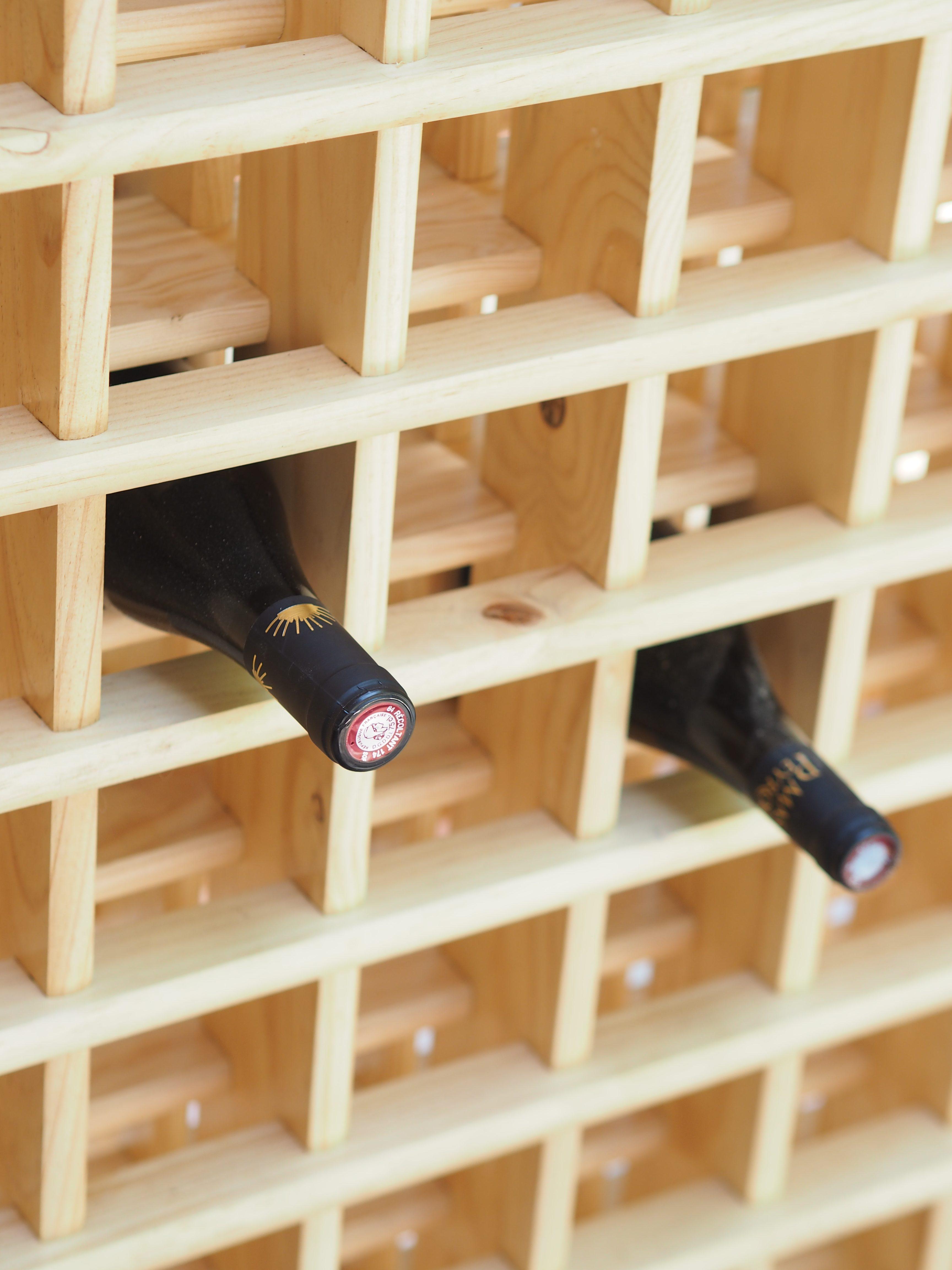 Transformer une cave sombre et triste en une cave à vin chaleureuse. Comment mettre en valeur l'atypicité d'un lieu. Découvrez le résultat Avant/Après !